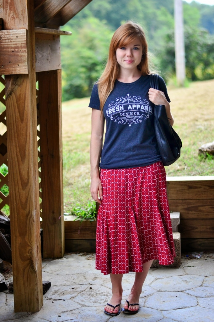 Dressing Down | 3 Tips For Pairing T-Shirts With Skirts ...